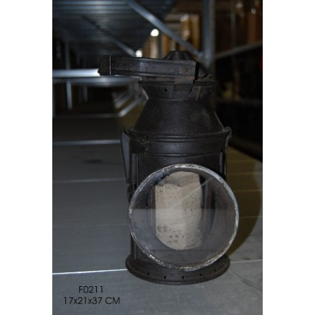 Lanterna d'epoca a petrolio capostazione