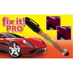 Graffi sull'auto Un gesso penna per coprire i graffi su una macchina FIX